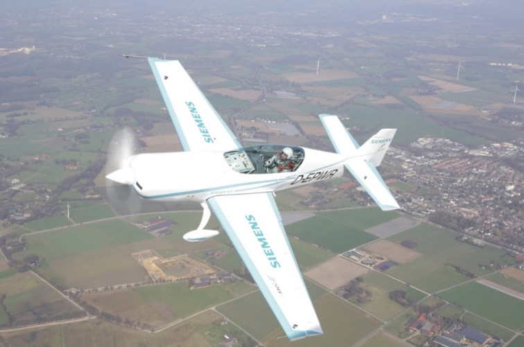 isiemens-airbus-electric-plane-world-record-glider-3